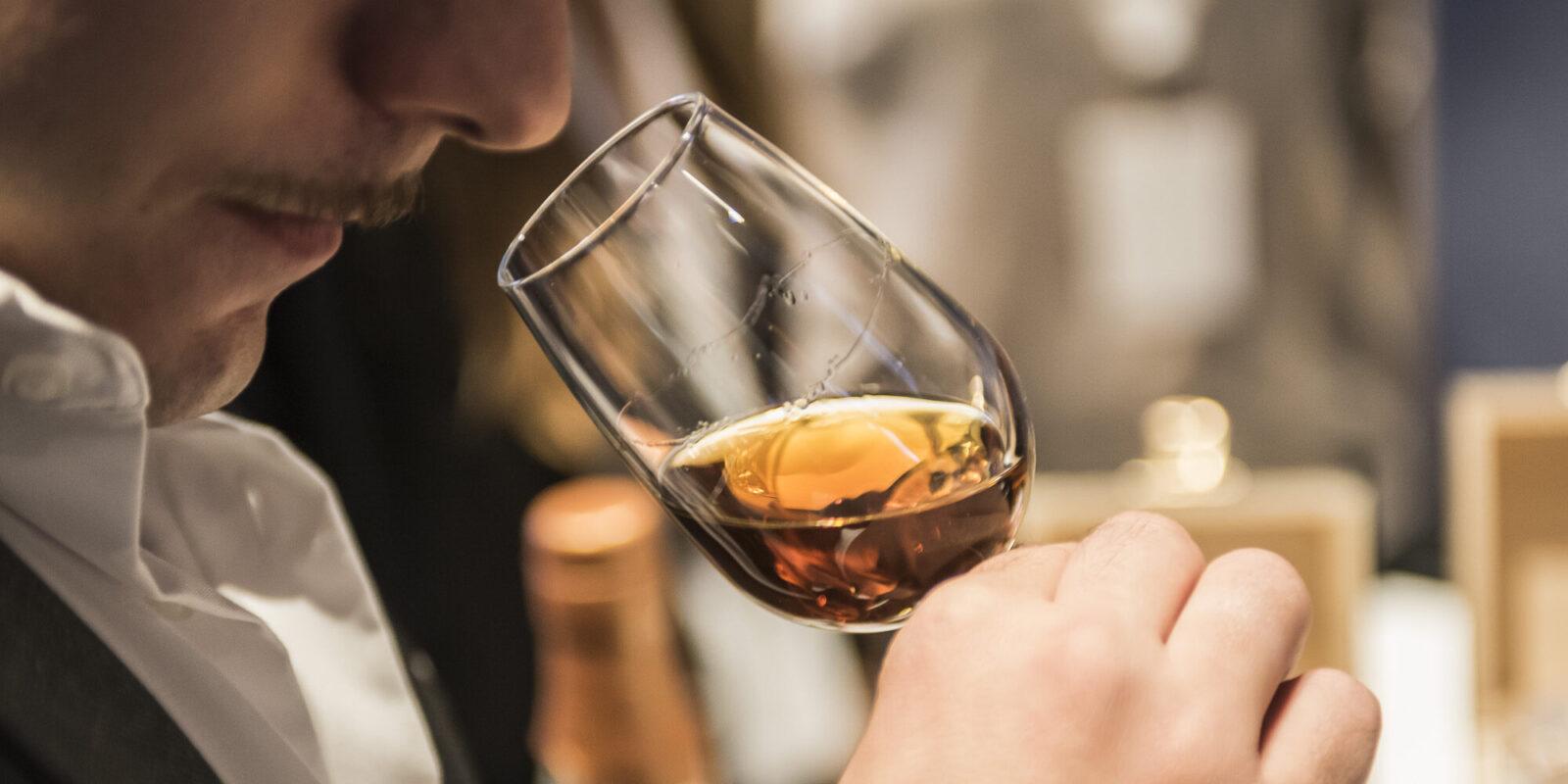 Degustare la grappa: scelta del bicchiere